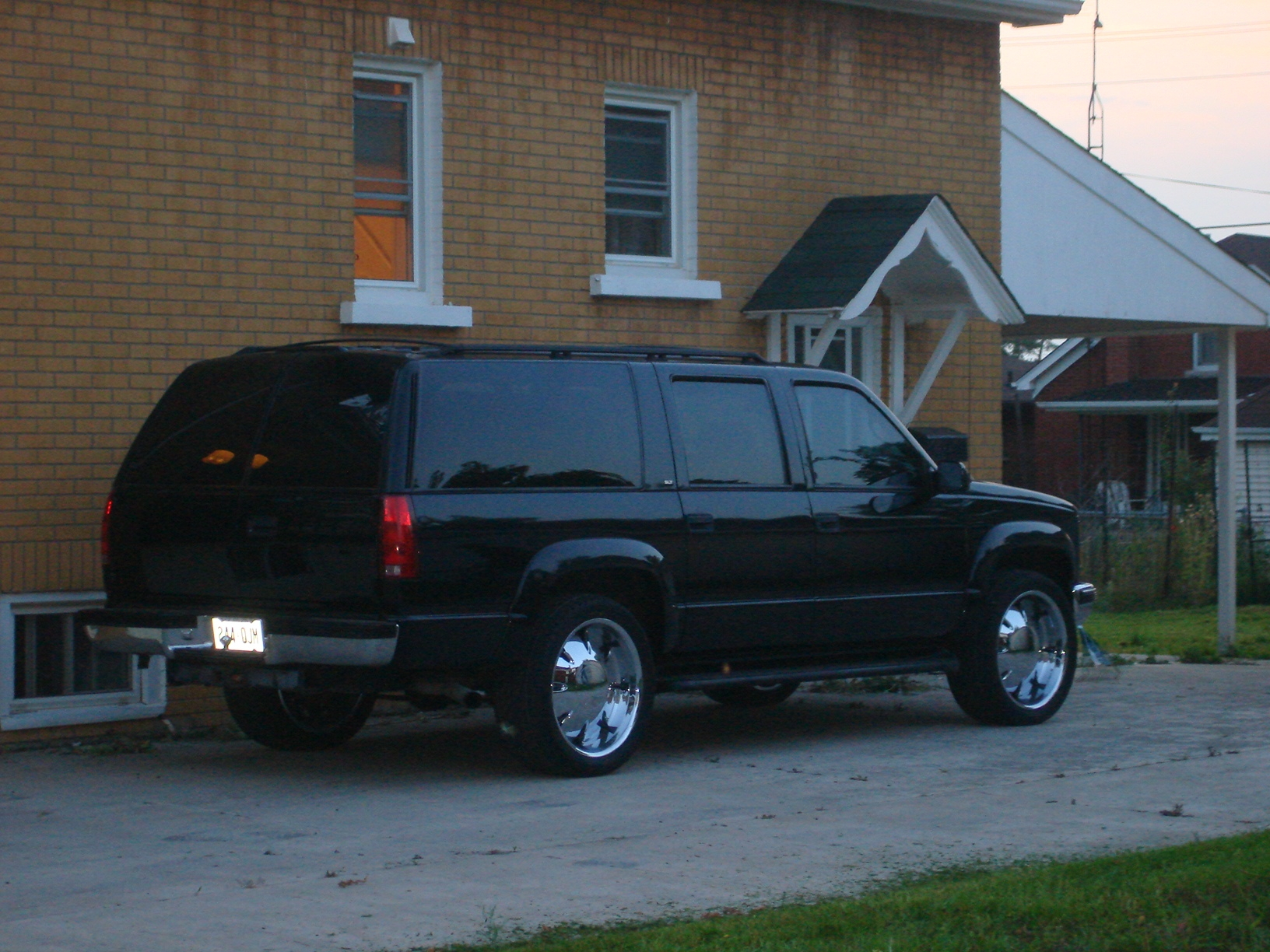Another NVS_WHIPS 1998 GMC Suburban 1500 post... - 14932299