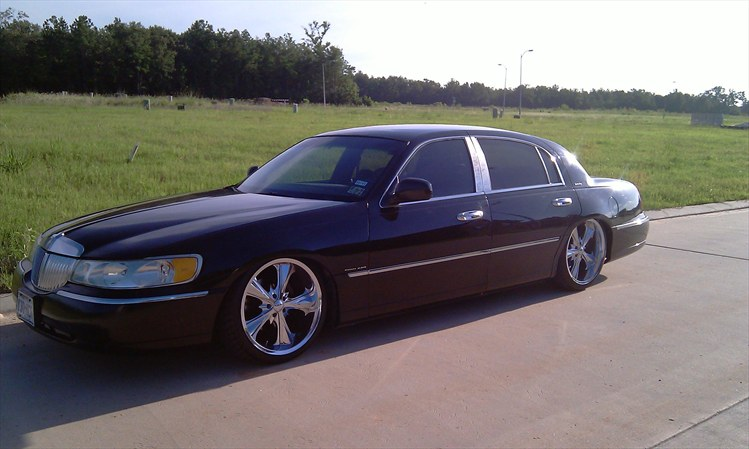 Lincoln Town Car Bagged On S Photo Pictures