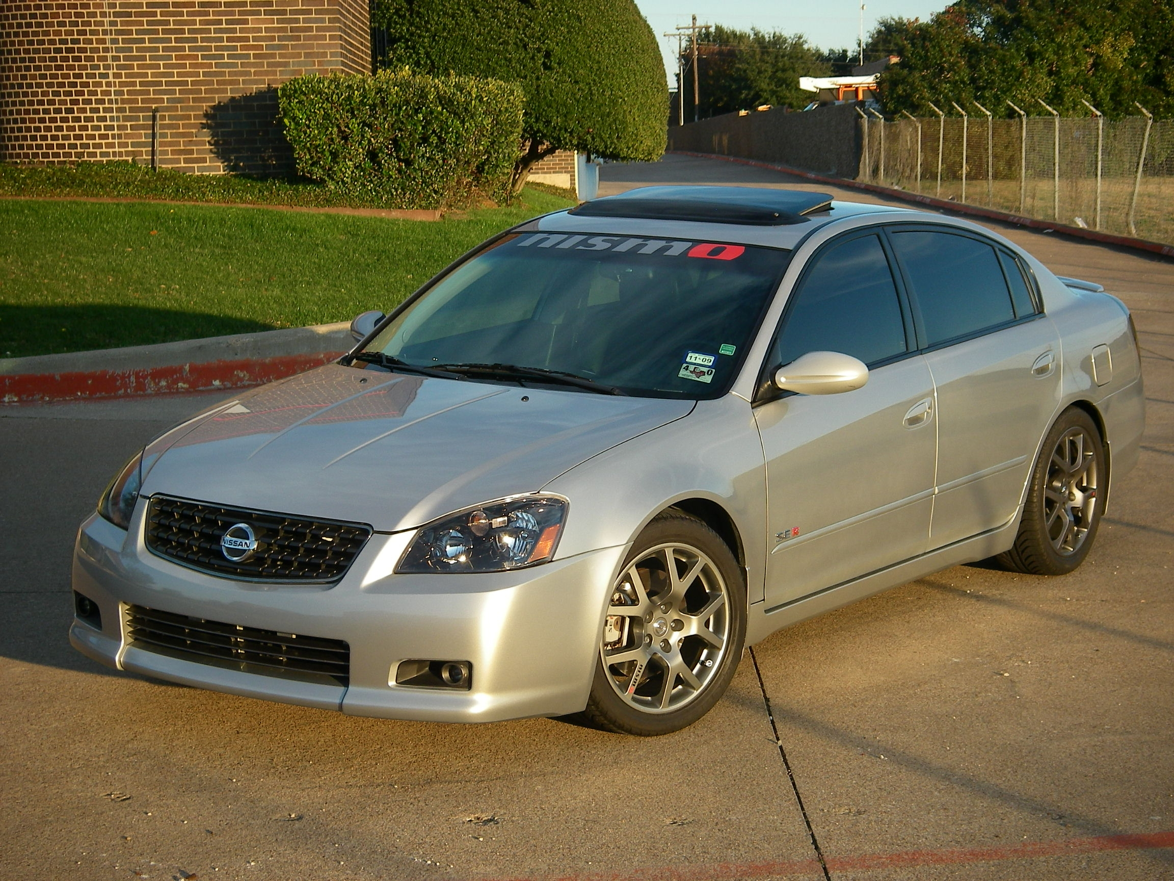 tech_06 2005 nissan altima3.5 se-r sedan 4d's photo gallery at