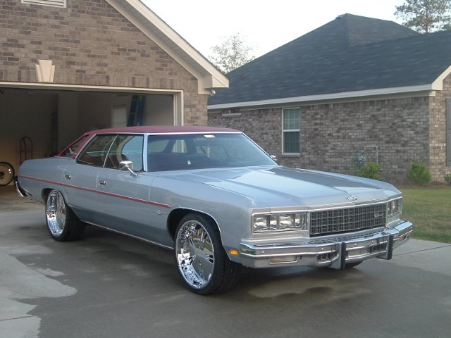 1976 Chevy Caprice for Sale http://www.cardomain.com/ride/3900641/1976-chevrolet-caprice-classic/