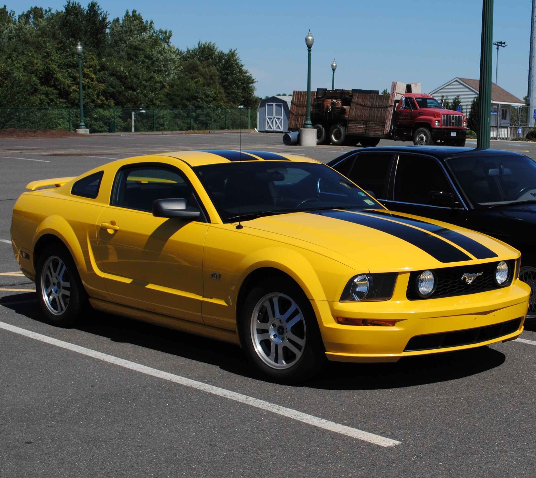 mustang7675 2005 ford mustanggt deluxe coupe 2d specs photos modification info at cardomain. Black Bedroom Furniture Sets. Home Design Ideas