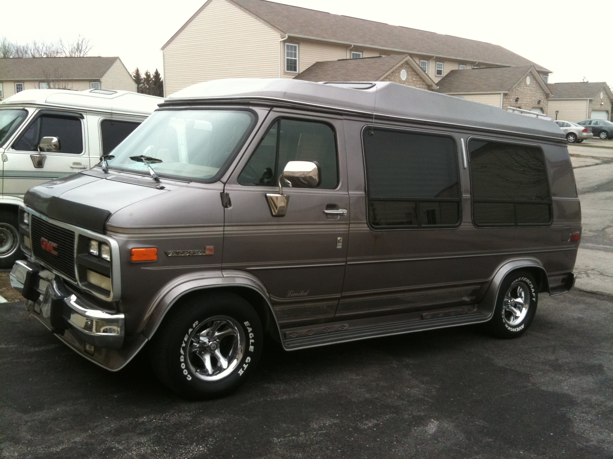 keylow 1990 gmc vandura 2500van specs photos. Black Bedroom Furniture Sets. Home Design Ideas