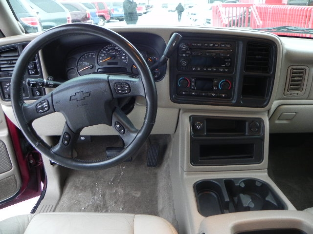 Madcowiii 2004 Chevrolet Suburban 1500lt Sport Utility 4d Specs Photos Modification Info At