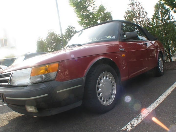Another adidas__007 1990 Saab 900 post... - 14952680