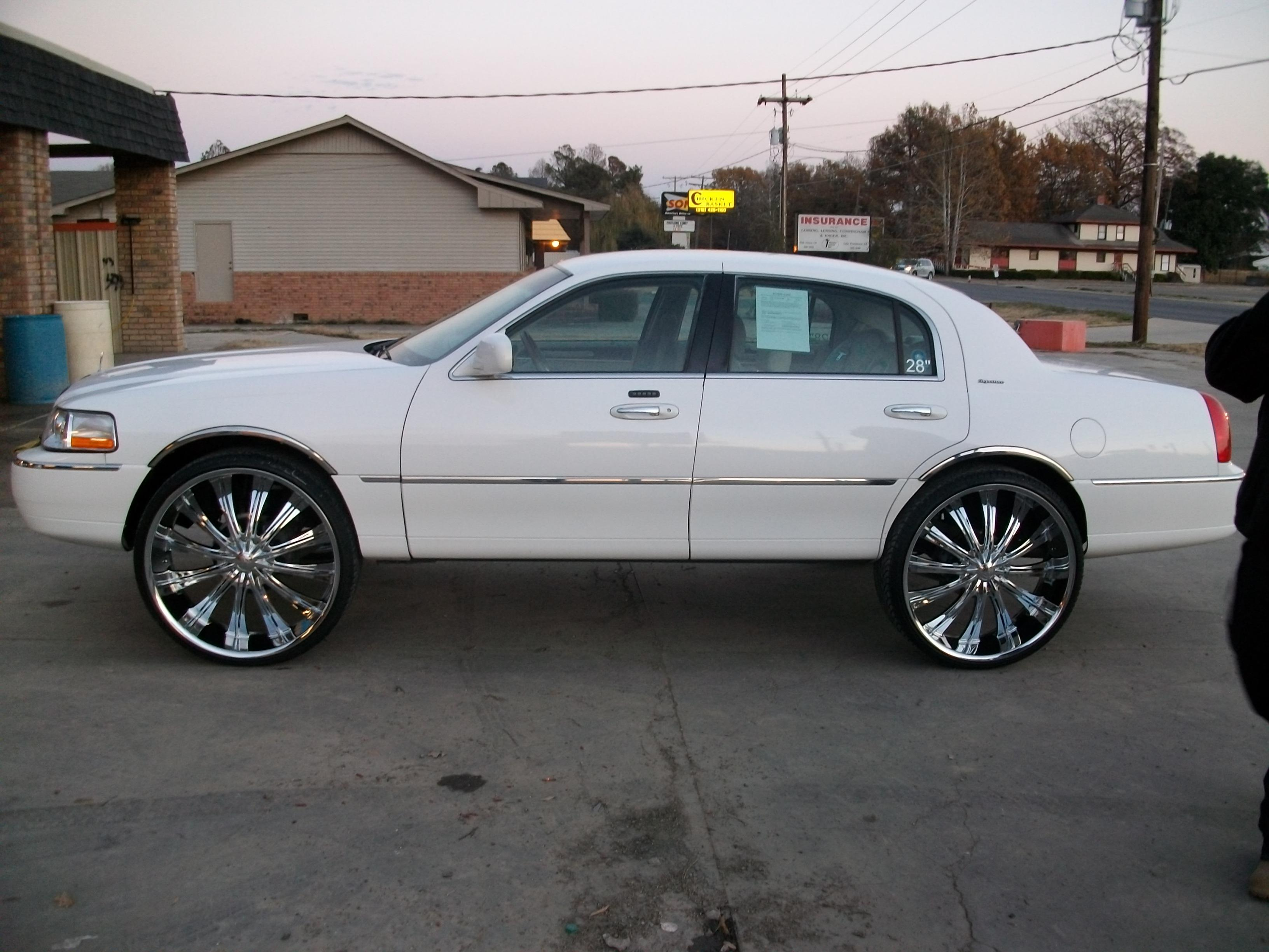 jdwhiite 2003 Lincoln Town Car