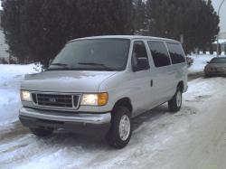 waiteaminute 2006 Ford E350 Super Duty Passenger