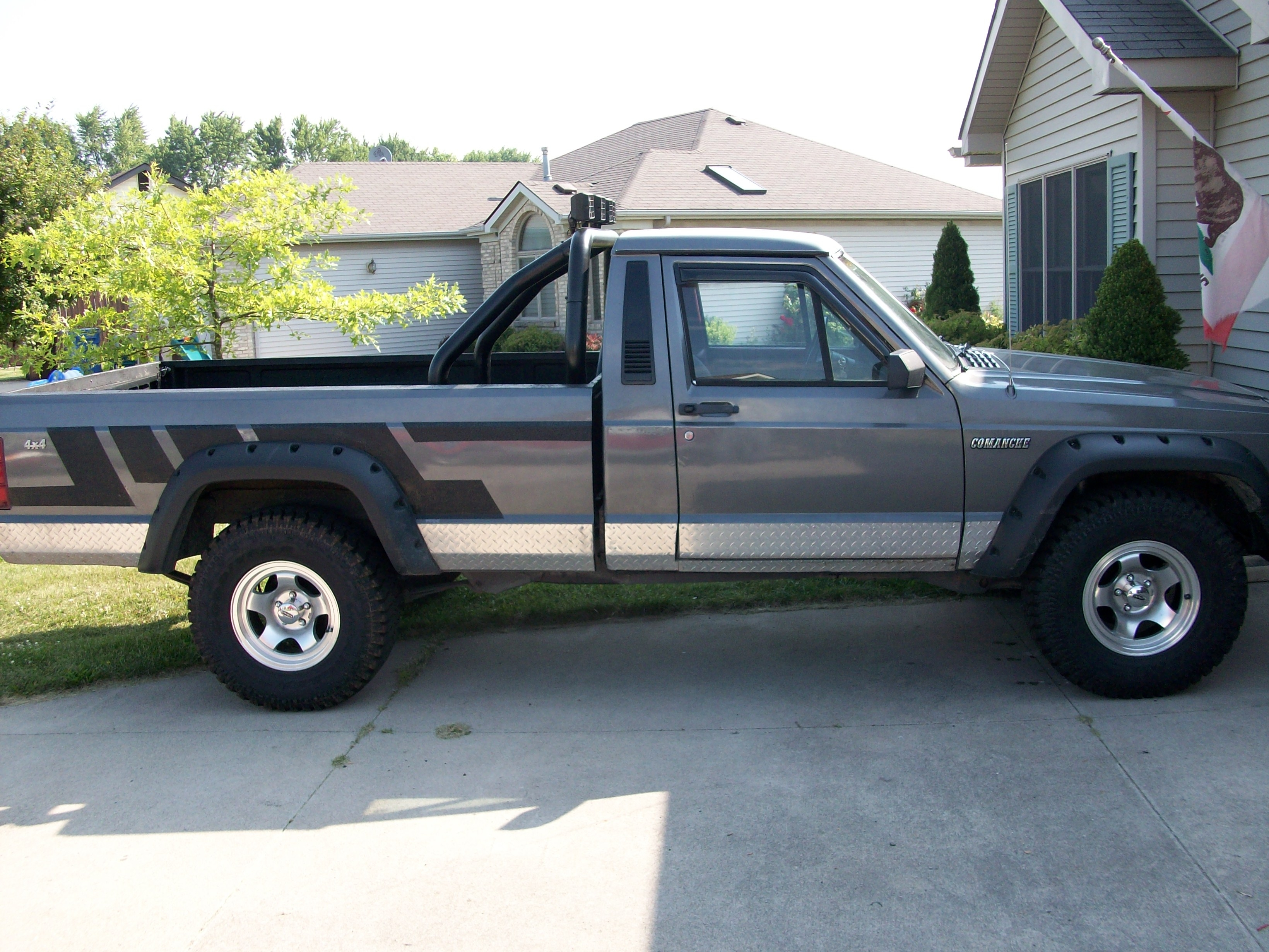 information for sale momentcar comanche and photos jeep