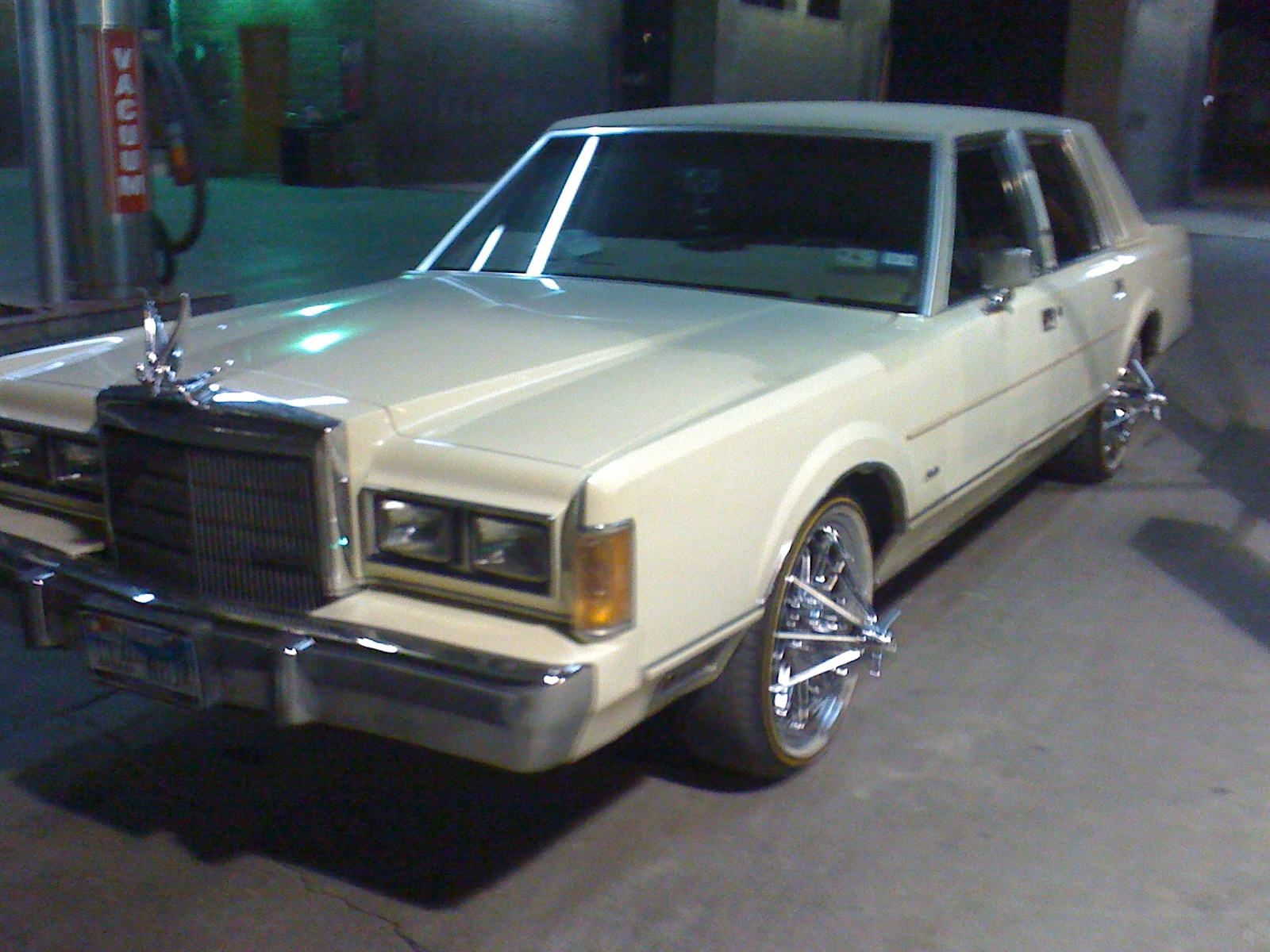 jgosart 1989 lincoln town car specs photos modification info at cardomain. Black Bedroom Furniture Sets. Home Design Ideas