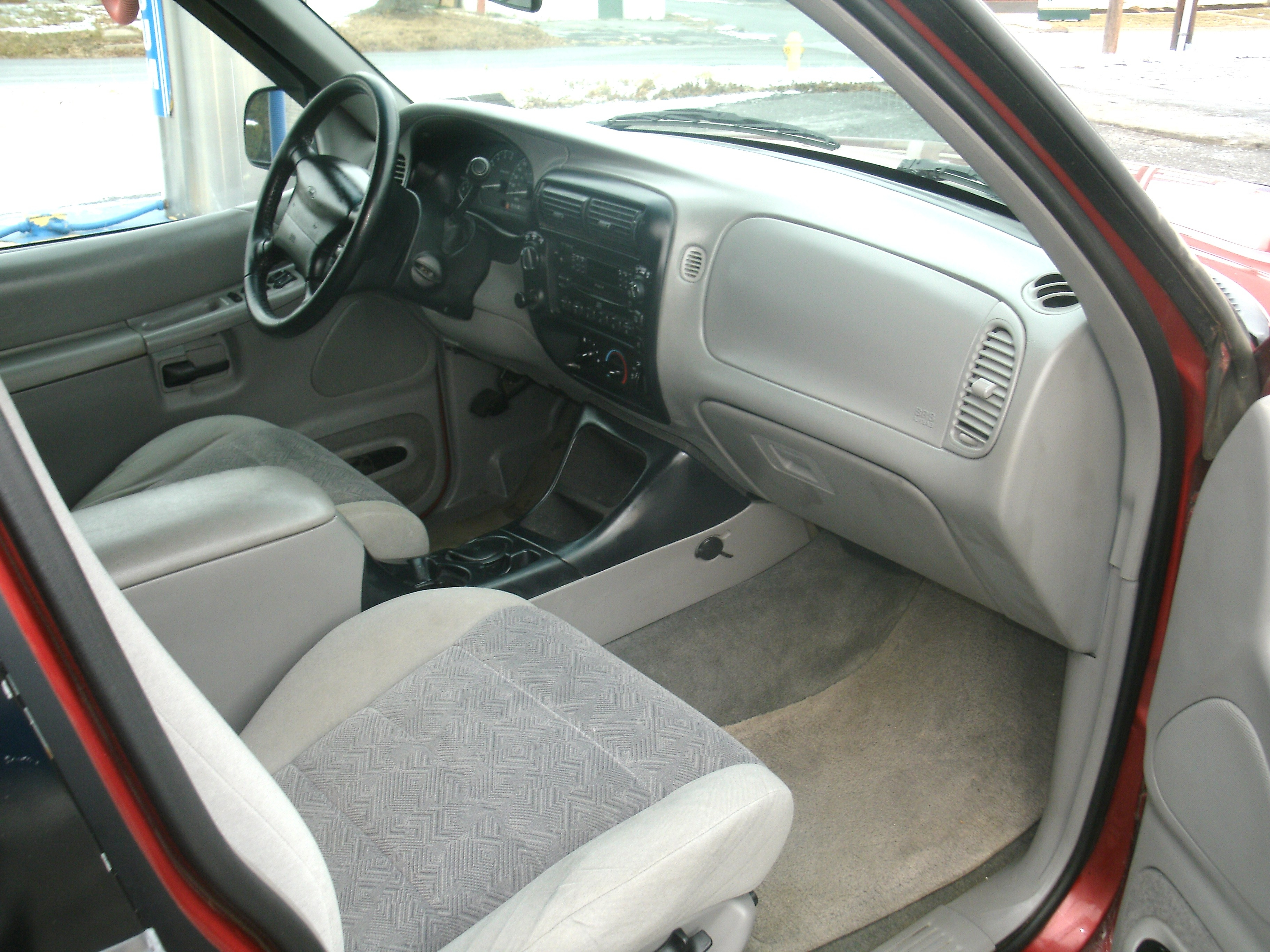 Another loudness05 2000 Ford Explorer post... - 14990259