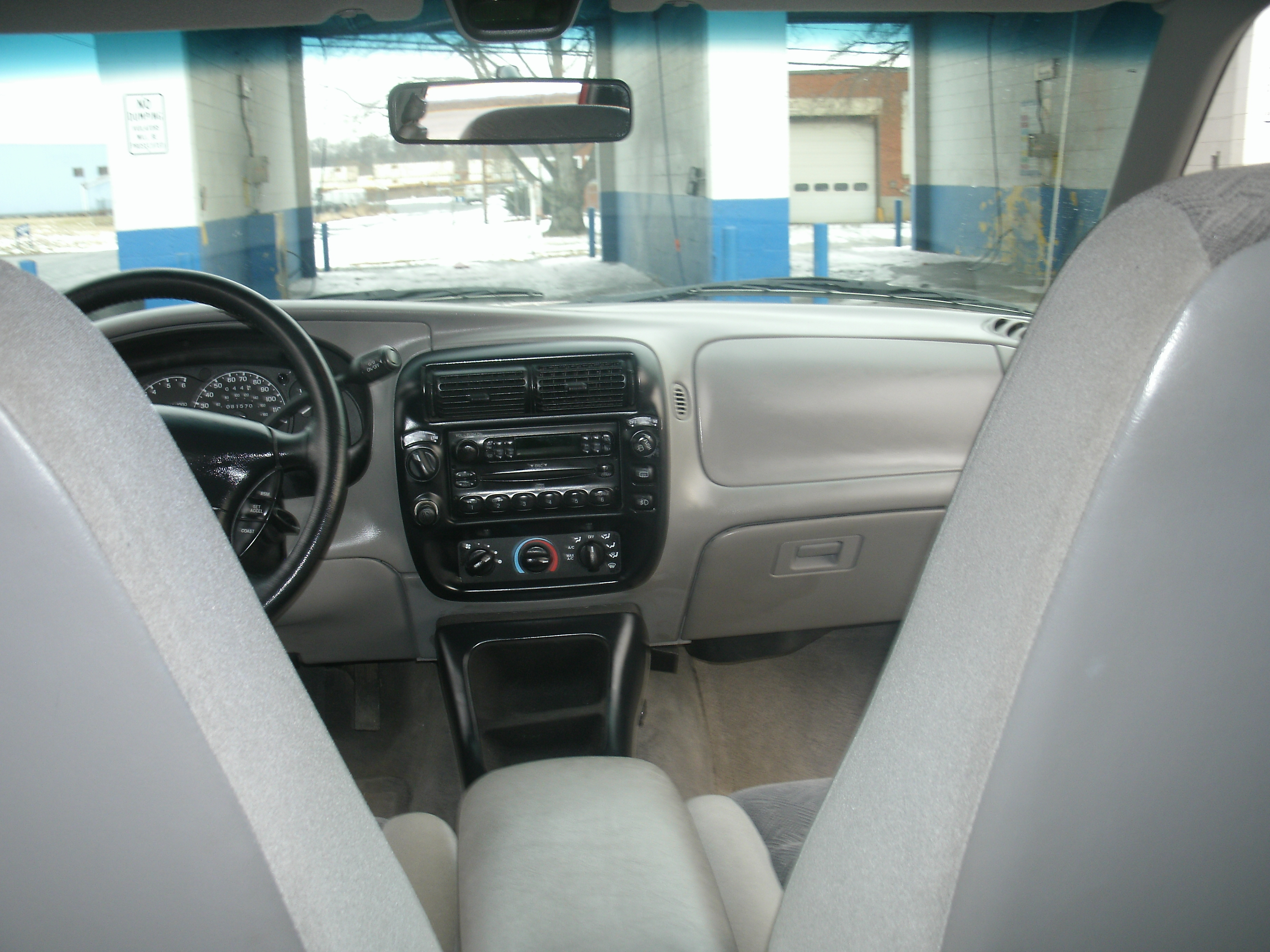 Another loudness05 2000 Ford Explorer post... - 14990268