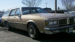 afCindy 1987 Oldsmobile Custom Cruiser