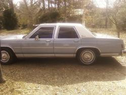 05YEY92 1987 Ford Crown Victoria