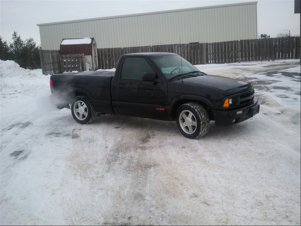 1994 Chevy S10 SS Specifications http://www.cardomain.com/ride/3908188/1994-chevrolet-s10-regular-cab-short-bed/
