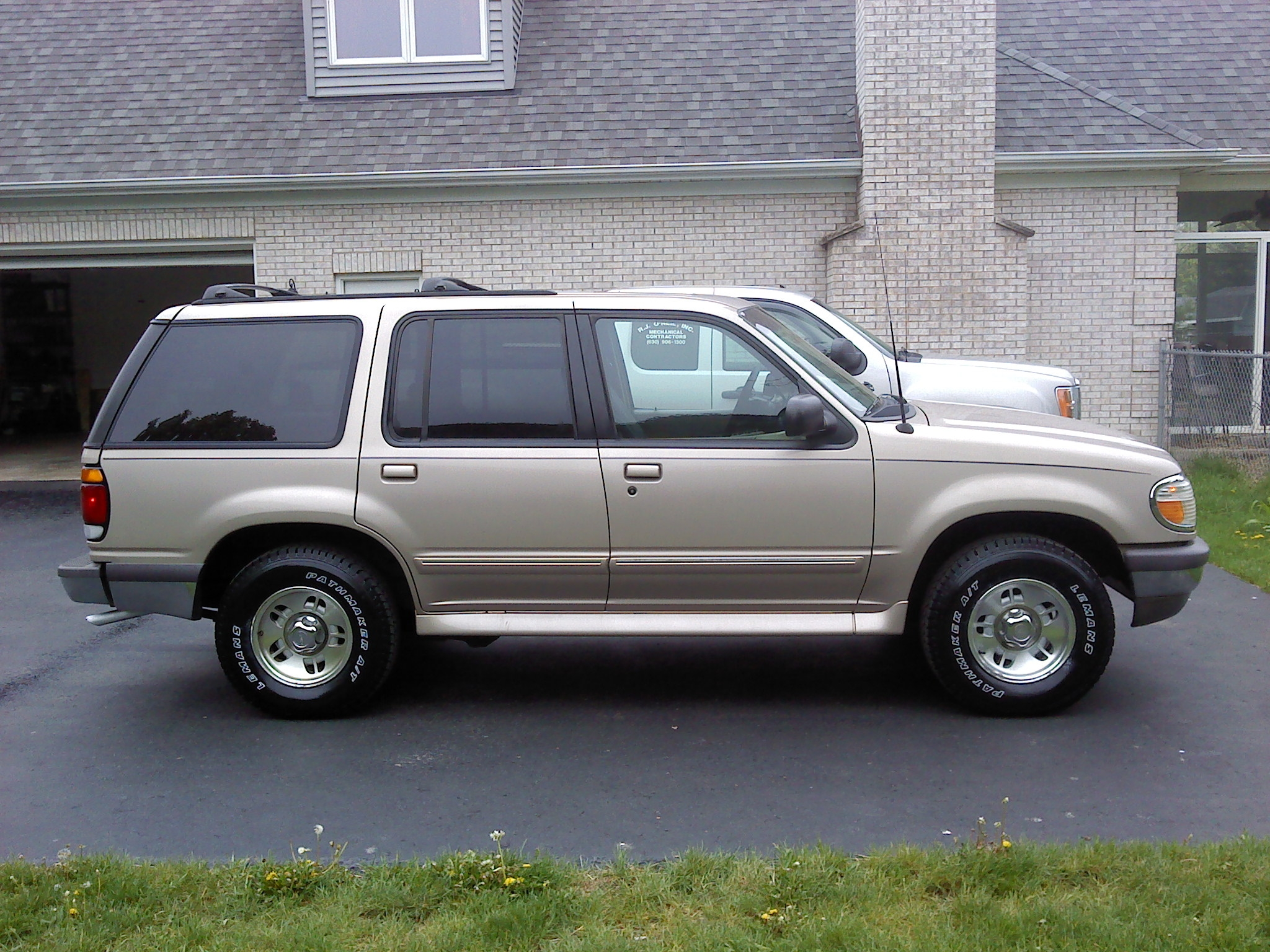 Another zero9657 1997 Ford Explorer post... - 15016306