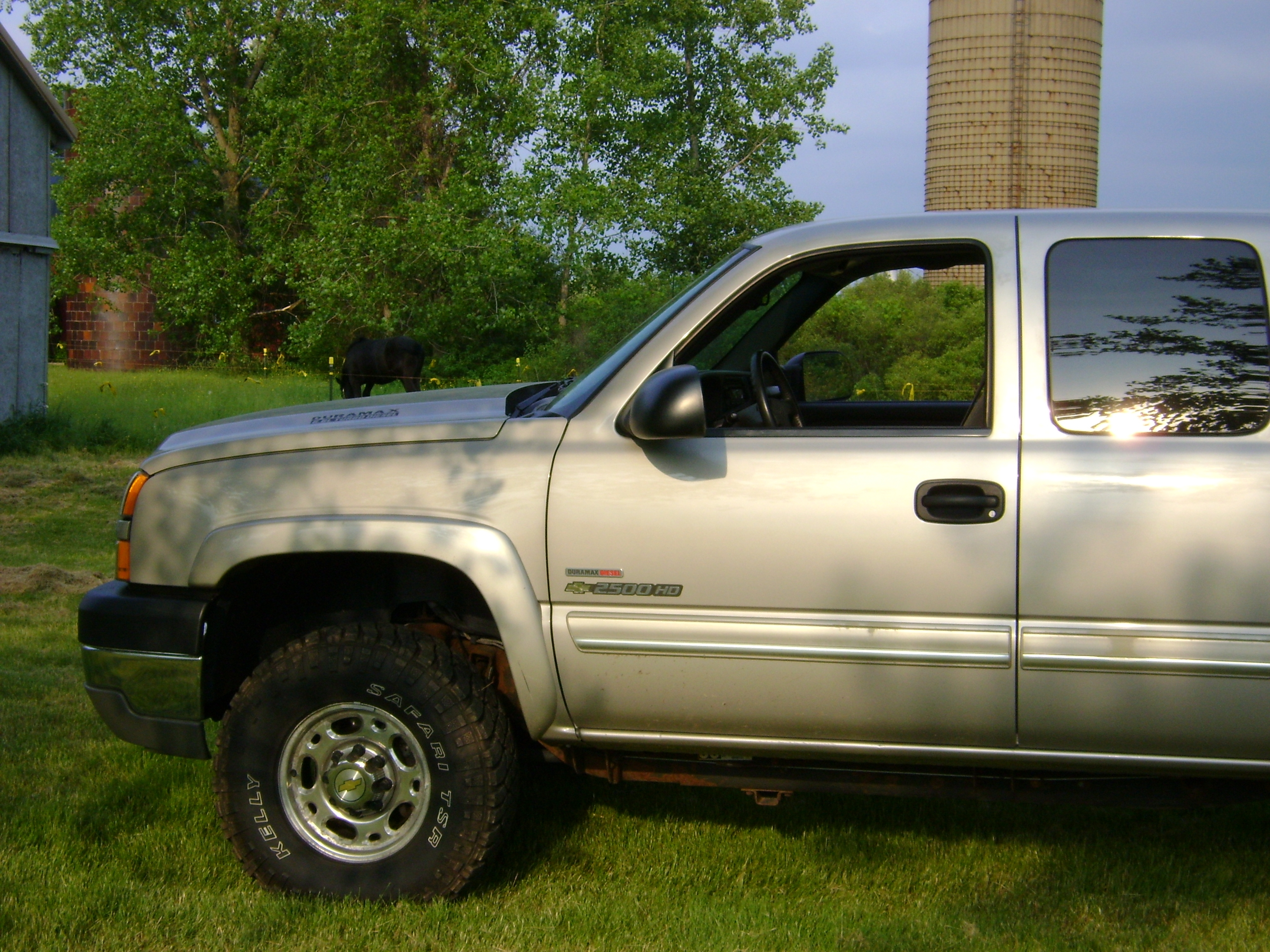 muddyjeepguy85 2005 Chevrolet 2500 HD Extended Cab