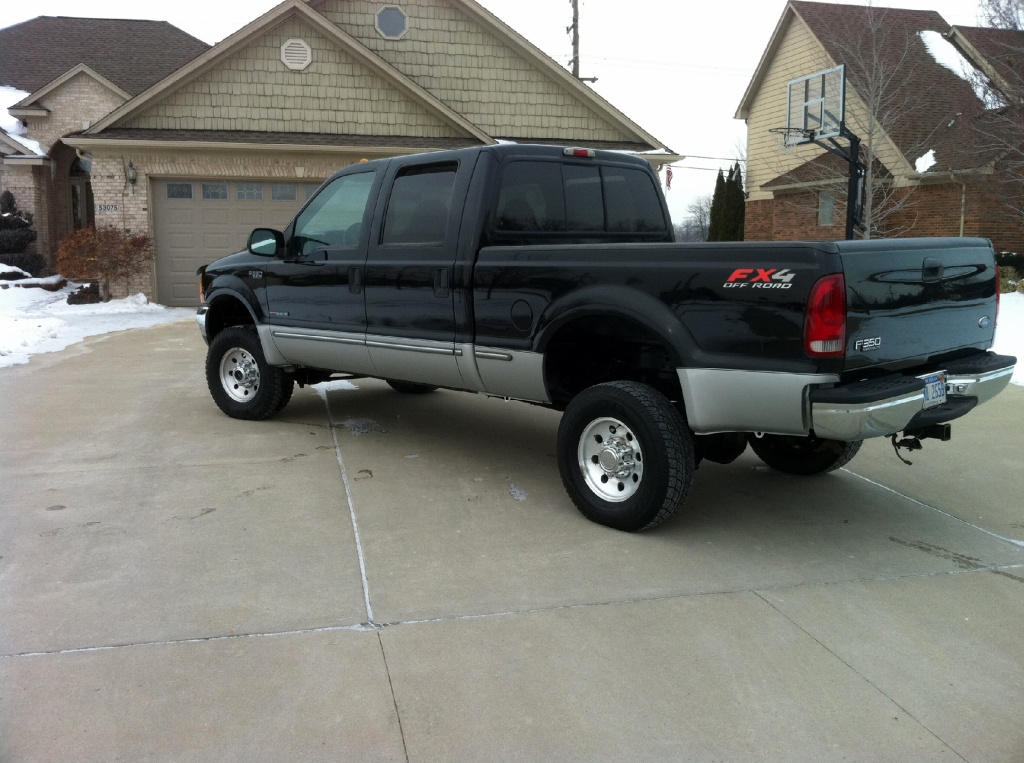 RyanOliver 1999 Ford F350 Super Duty Crew CabShort Bed Specs, Photos, Modification Info at CarDomain
