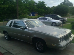 Self_MAde19s 1985 Oldsmobile Cutlass Supreme