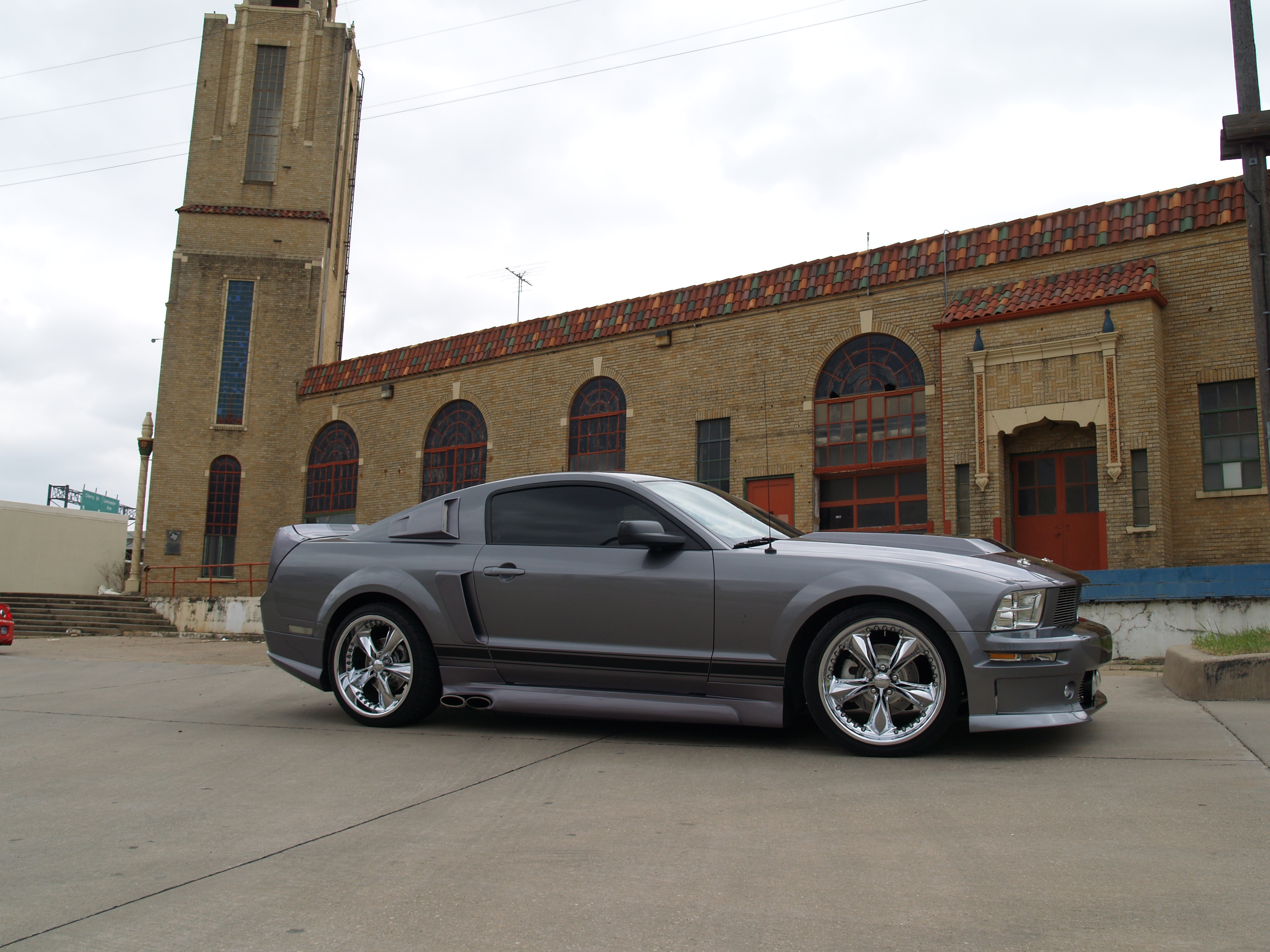 Another oifundertaker 2006 Ford Mustang post... - 15041484