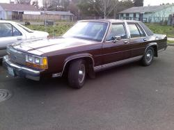 casedd 1990 Ford LTD Crown Victoria