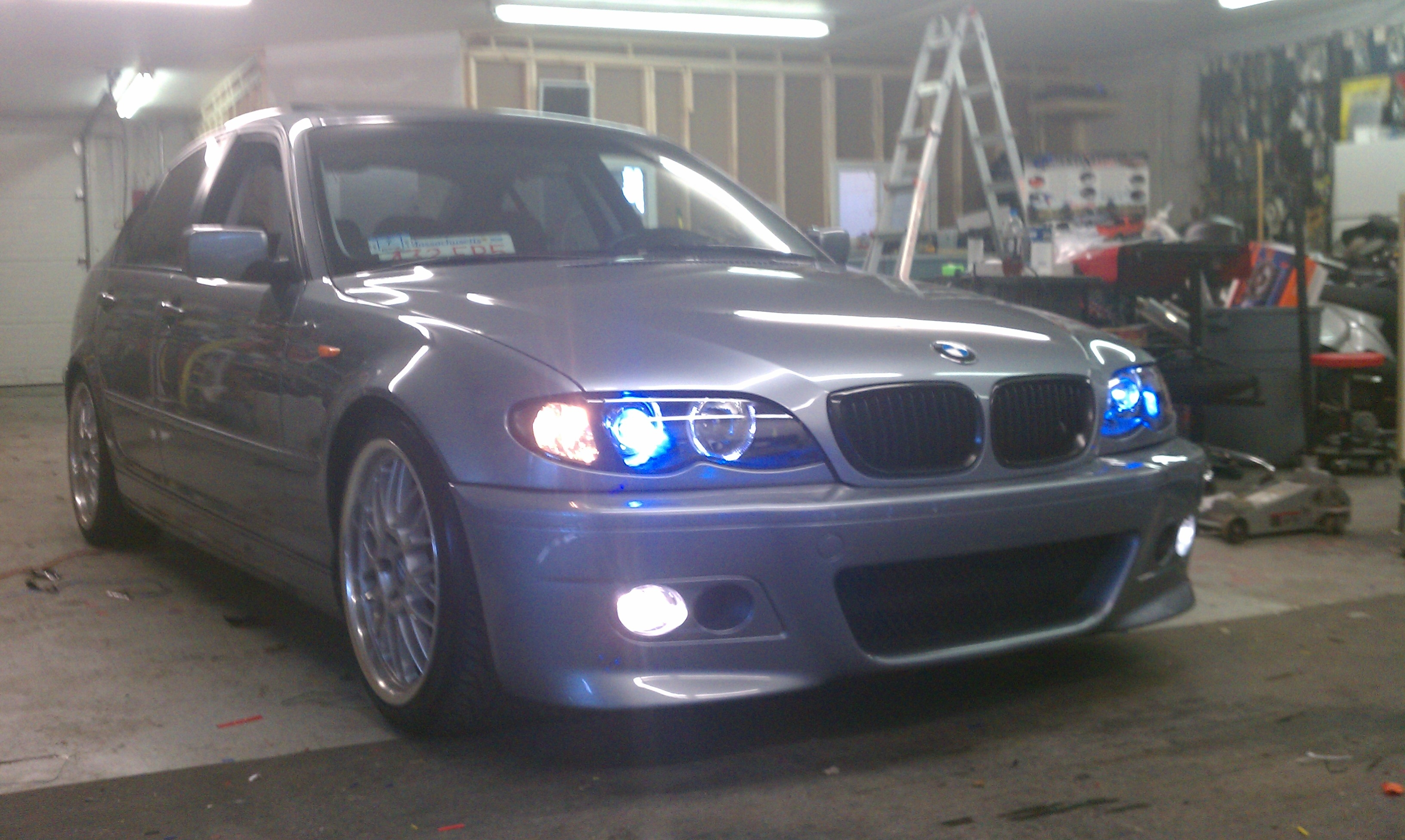 tlavoie 2005 bmw 3 series325i sedan 4d specs photos modification info at cardomain. Black Bedroom Furniture Sets. Home Design Ideas