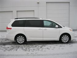 ashtonbeating29 2011 Toyota Sienna