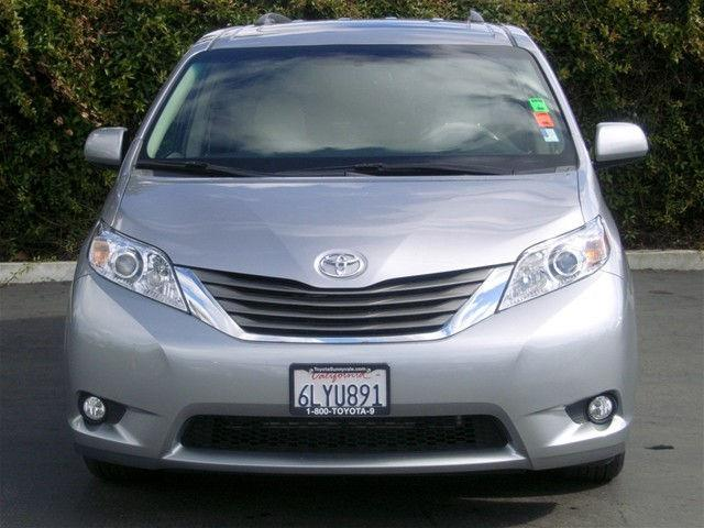 Another chaplinfurther73 2011 Toyota Sienna post... - 15046739