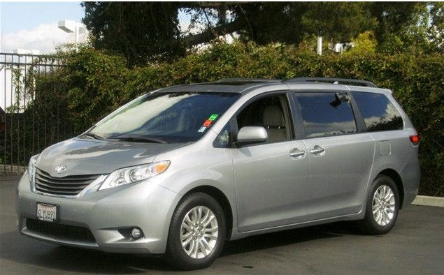 Another chaplinfurther73 2011 Toyota Sienna post... - 15046740