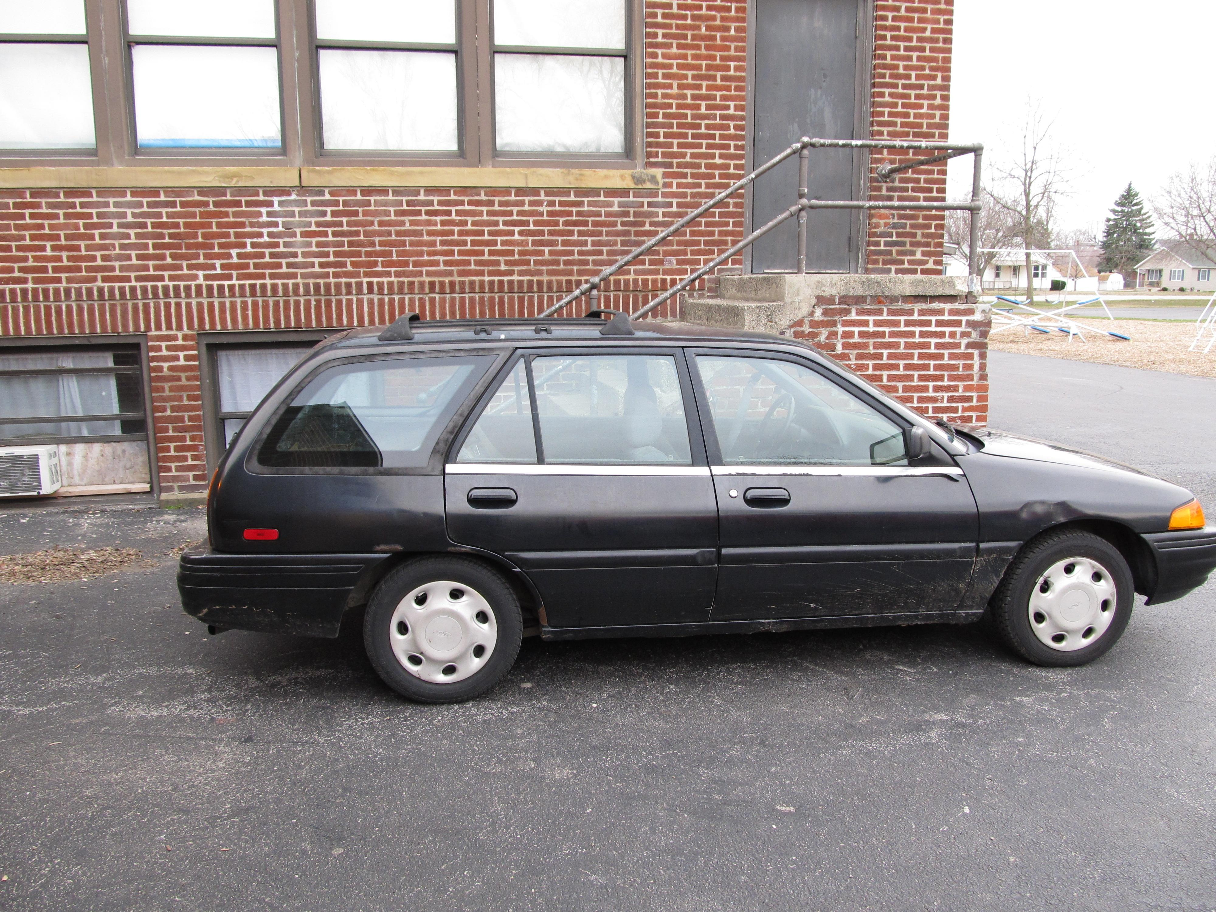 96whitesunfire 39 s 1995 ford escort lx wagon 4d in highland oh. Black Bedroom Furniture Sets. Home Design Ideas