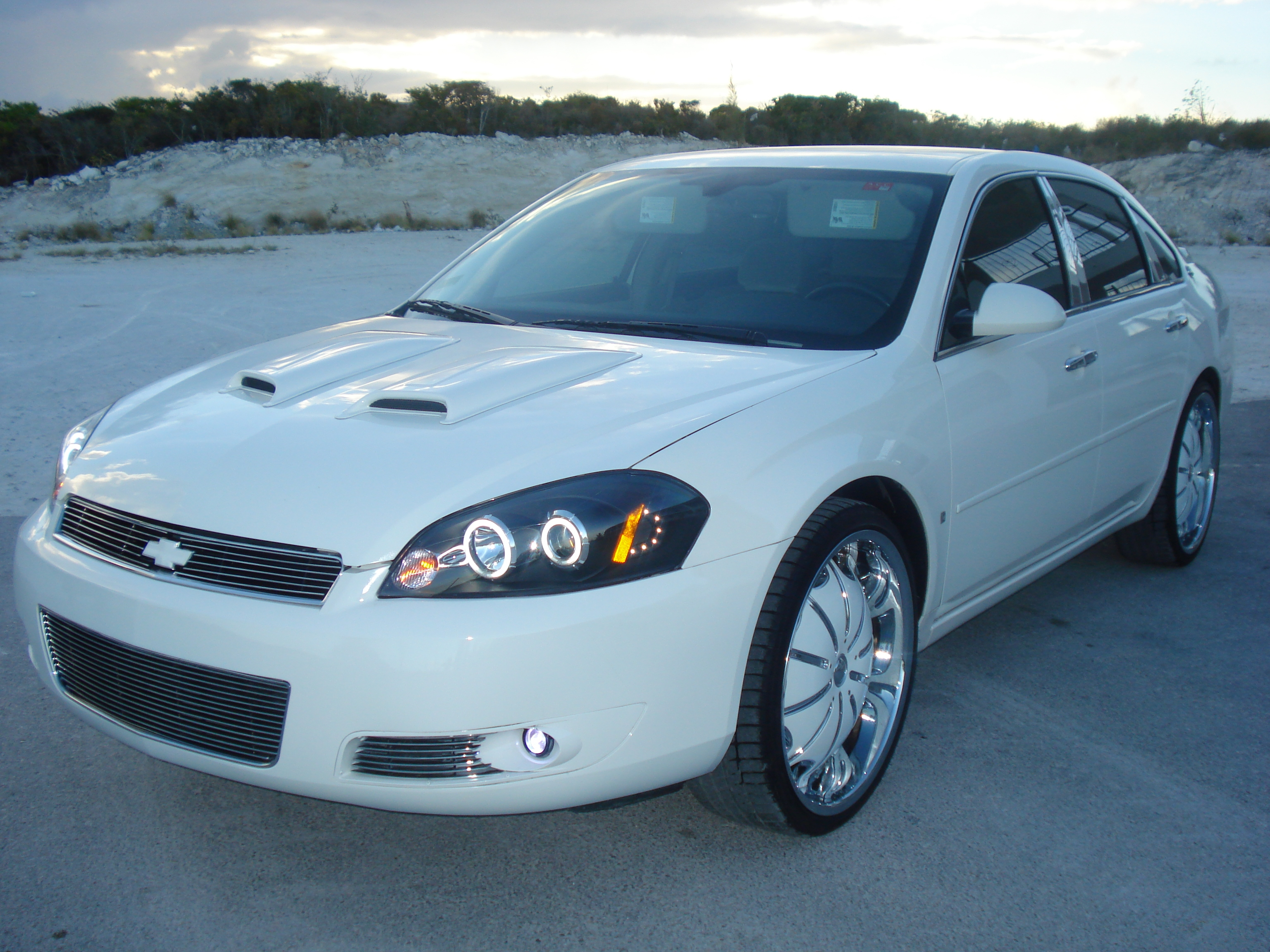 Amazoncom 2002 Chevrolet Monte Carlo Reviews Images