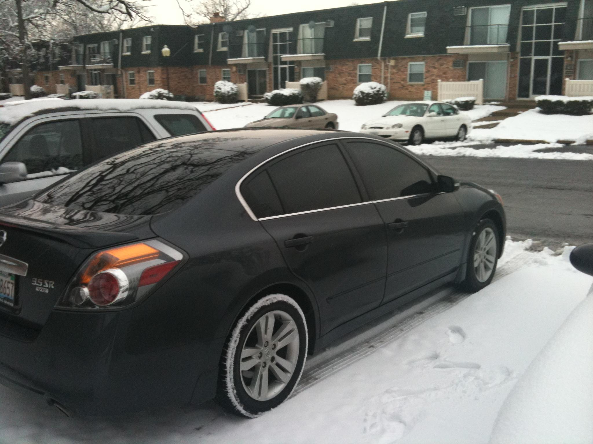Monte2989 2010 Nissan Altima3.5 SR Sedan 4D Specs, Photos ...