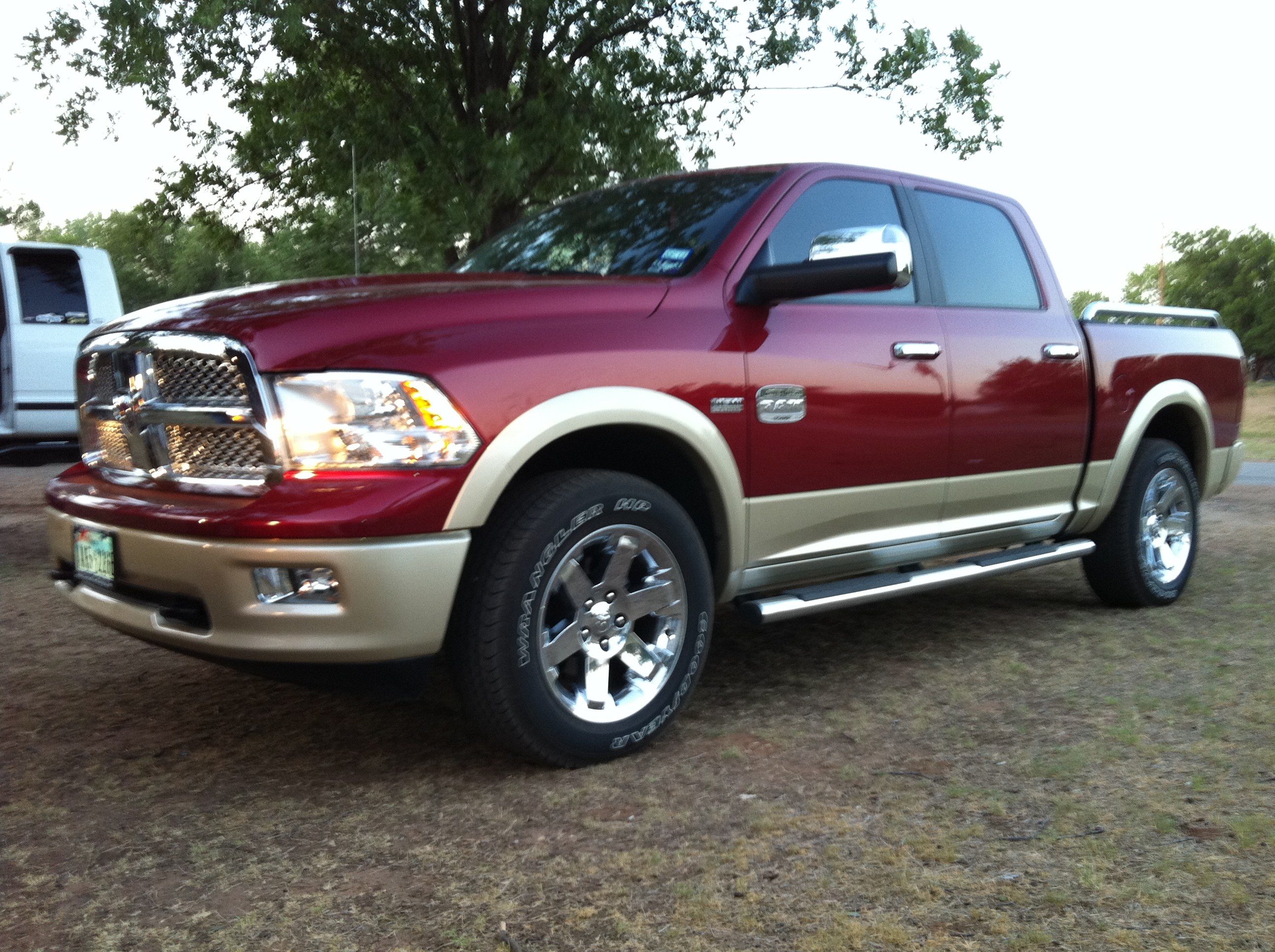Juan s 2011 dodge ram 1500 crew cab specs photos modification info at cardomain - Crew cab dodge ram ...