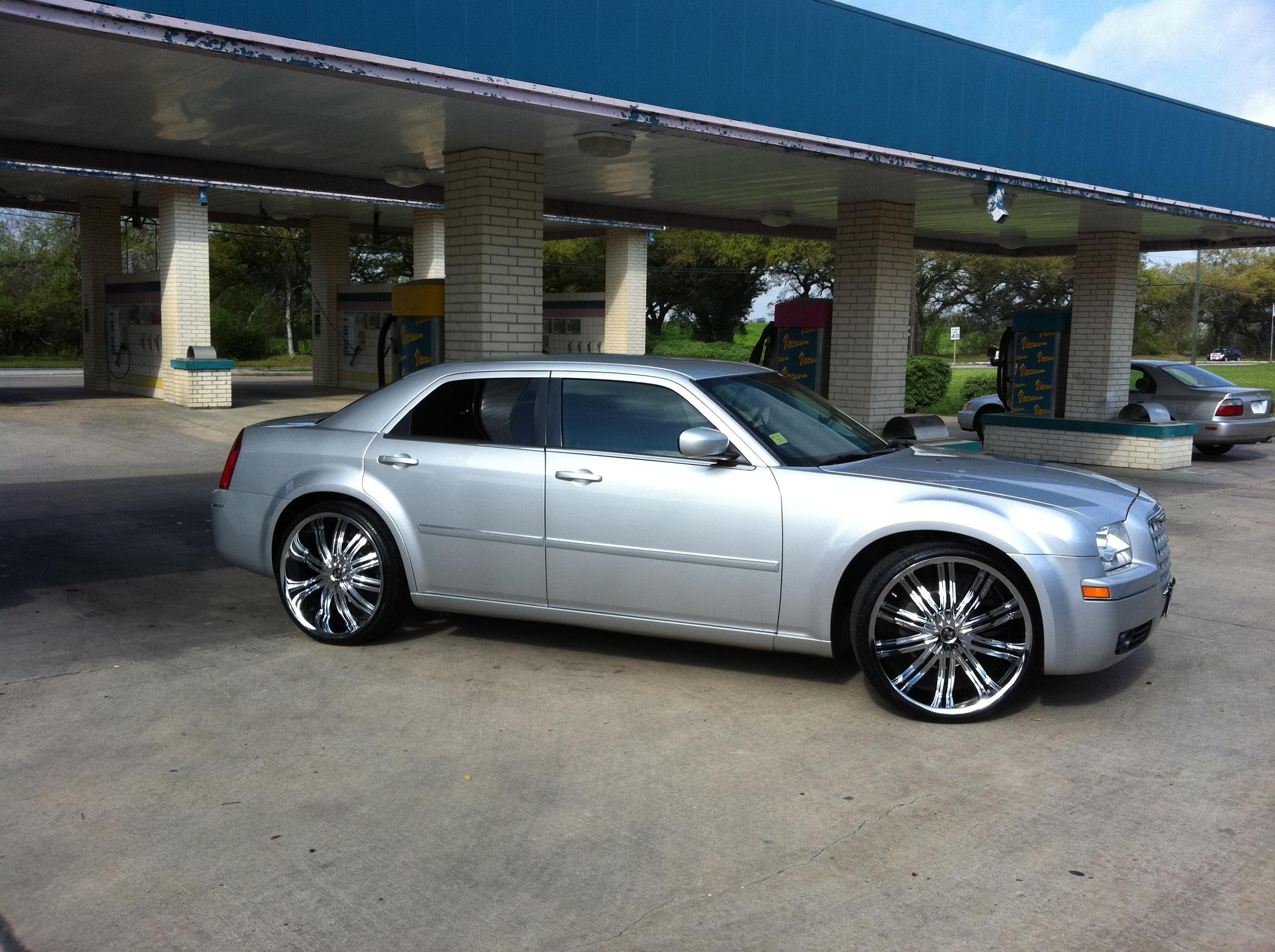 Antonio2608 2007 chrysler 300touring sedan 4d specs - 2007 chrysler 300 custom interior ...