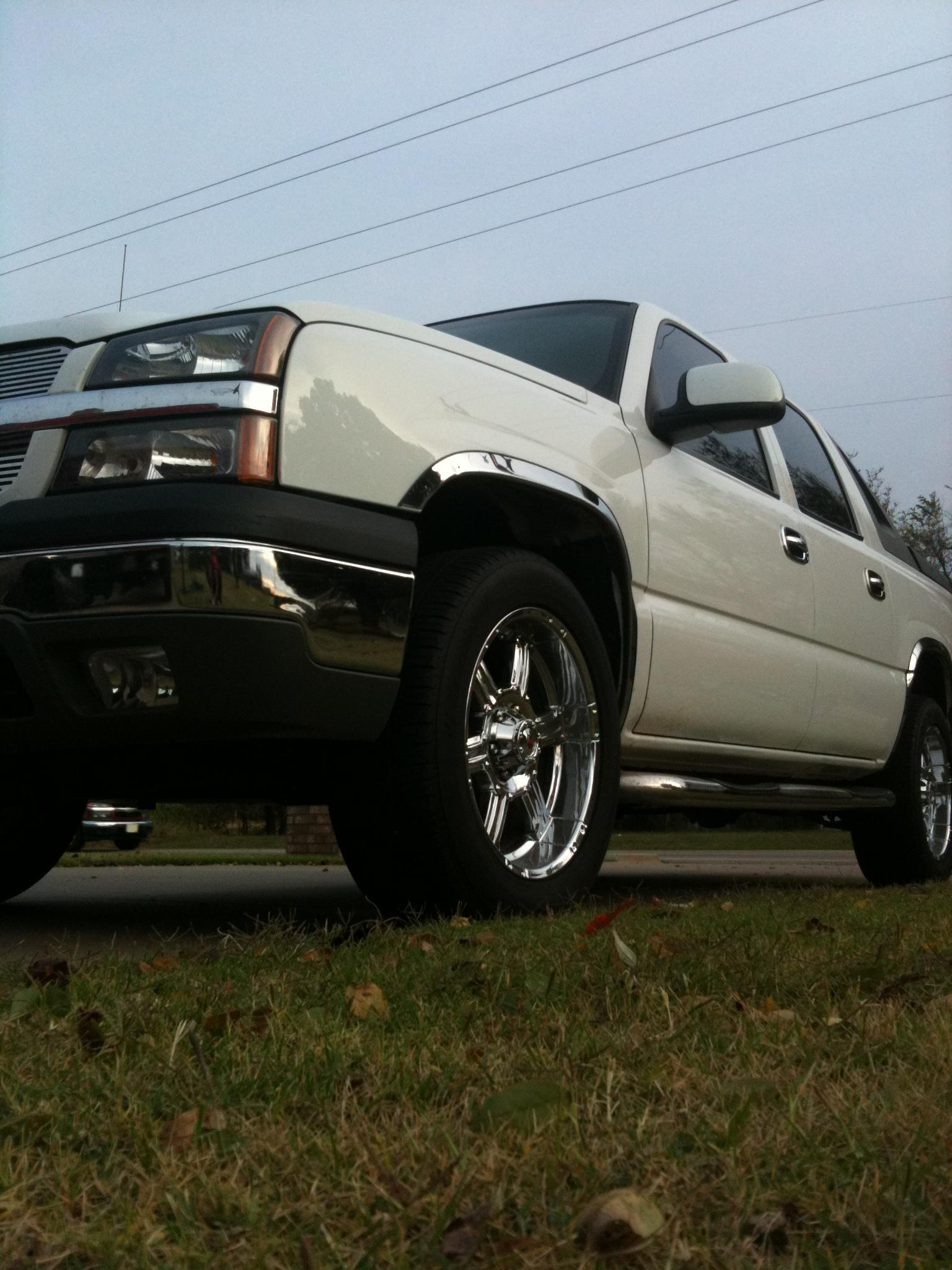 BraxtonS27 2004 Chevrolet Avalanche Specs Photos Modification