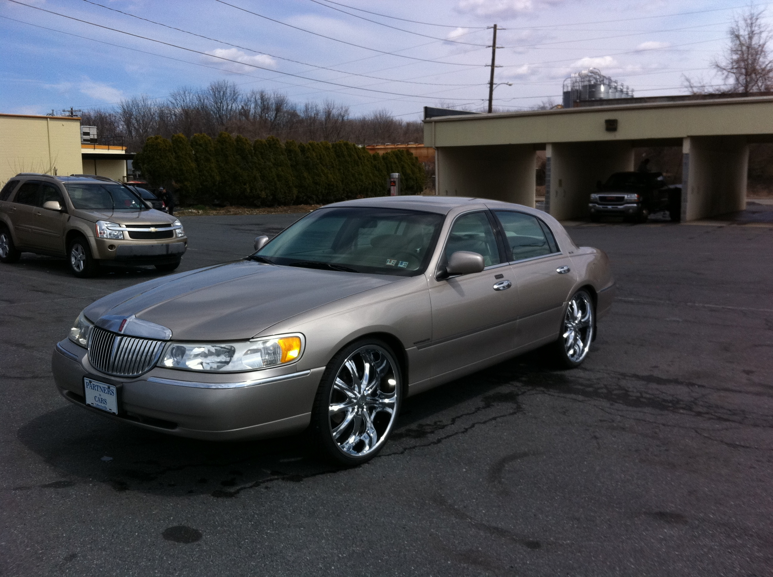 Another MingMerc 1999 Lincoln Town Car post... - 15072552