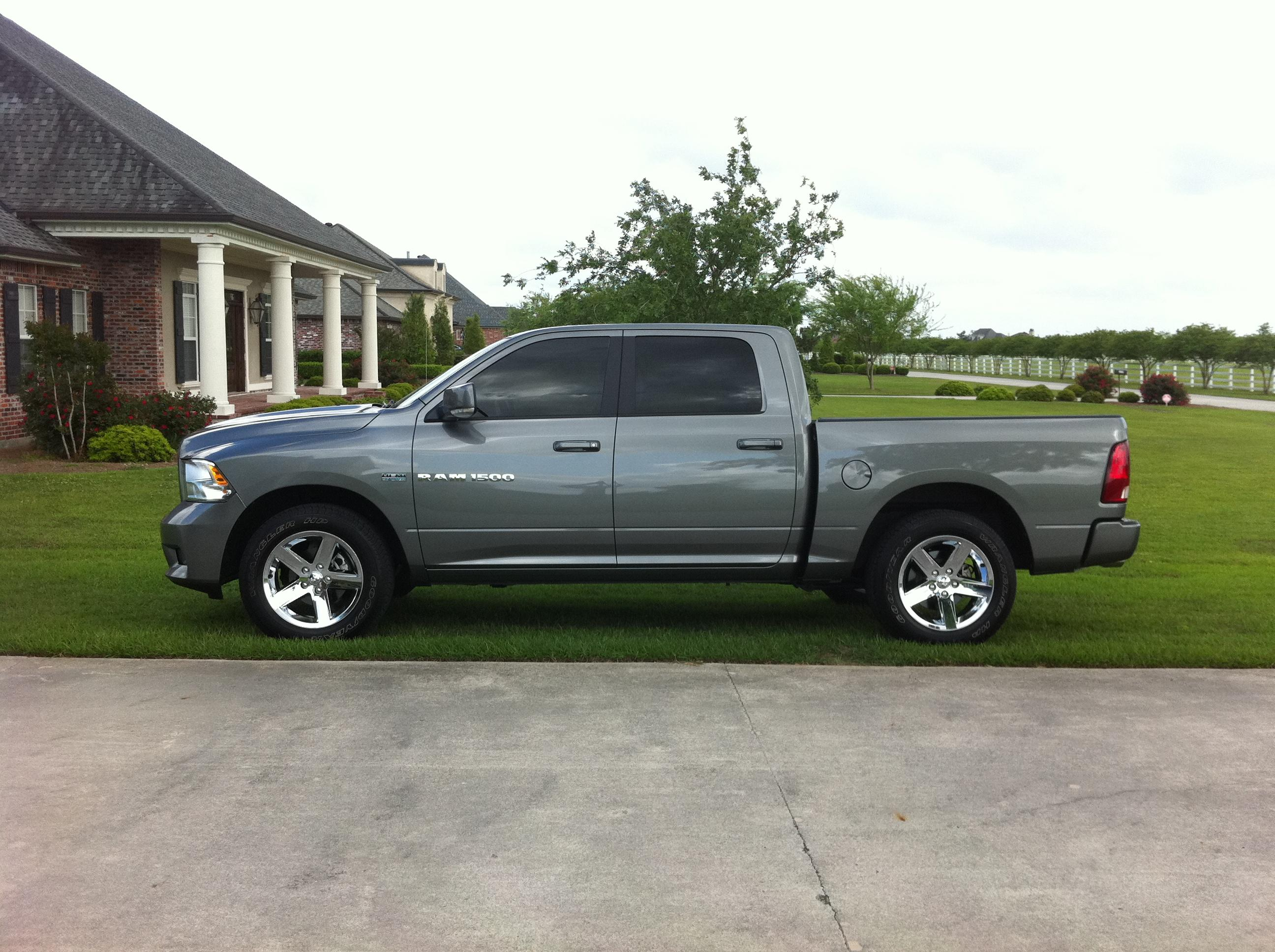 Jordan21210 2011 dodge ram 1500 crew cab specs photos modification info at cardomain - Crew cab dodge ram ...