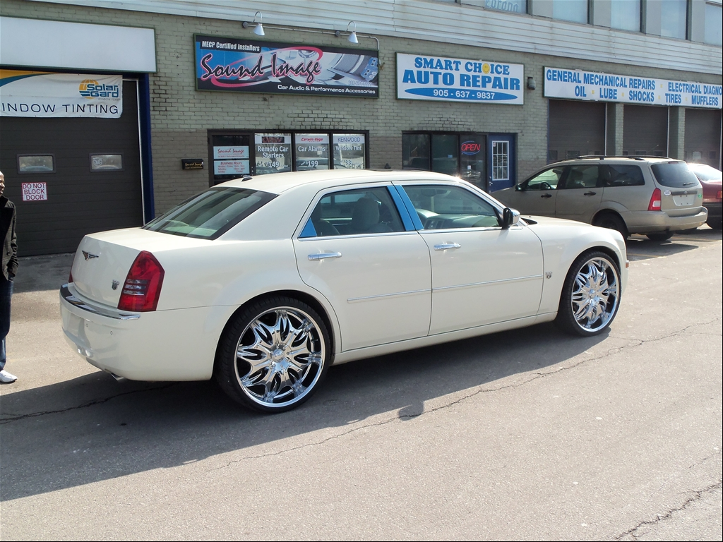 Chrysler 300 sedan 2007