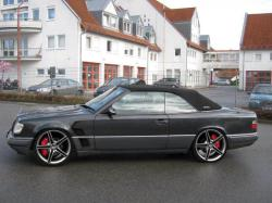 1162040s 1995 Mercedes-Benz E-Class