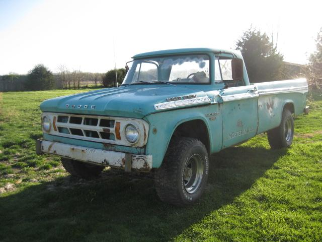 Shagrat's 1968 Dodge Power Wagon