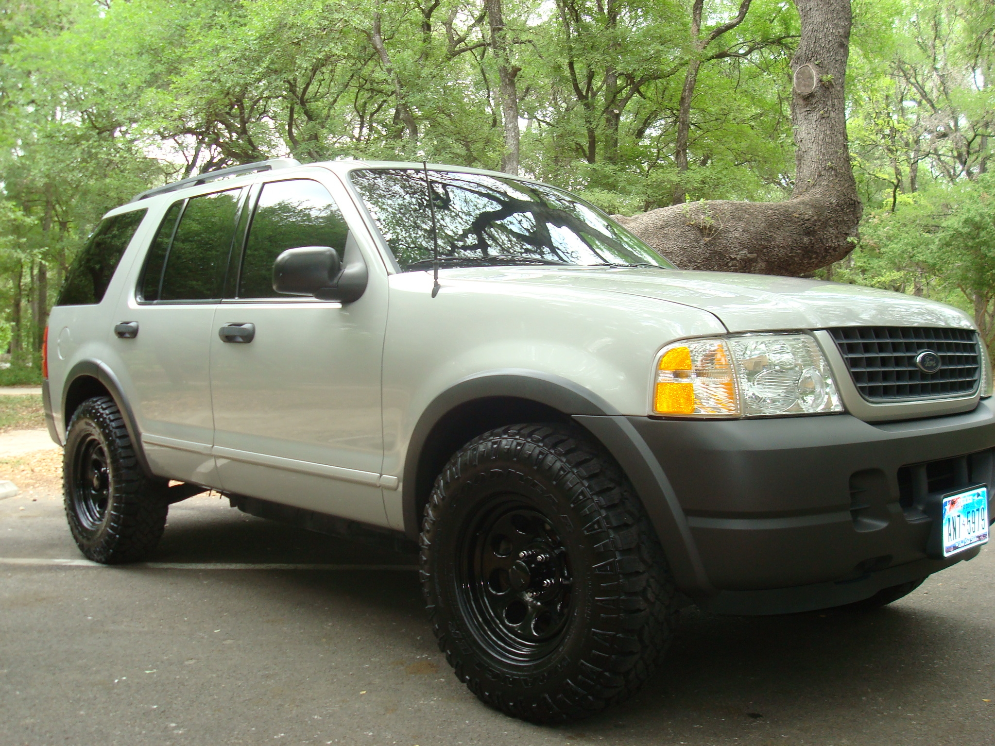 blackandsilver  ford explorerxls sport utility  specs  modification info