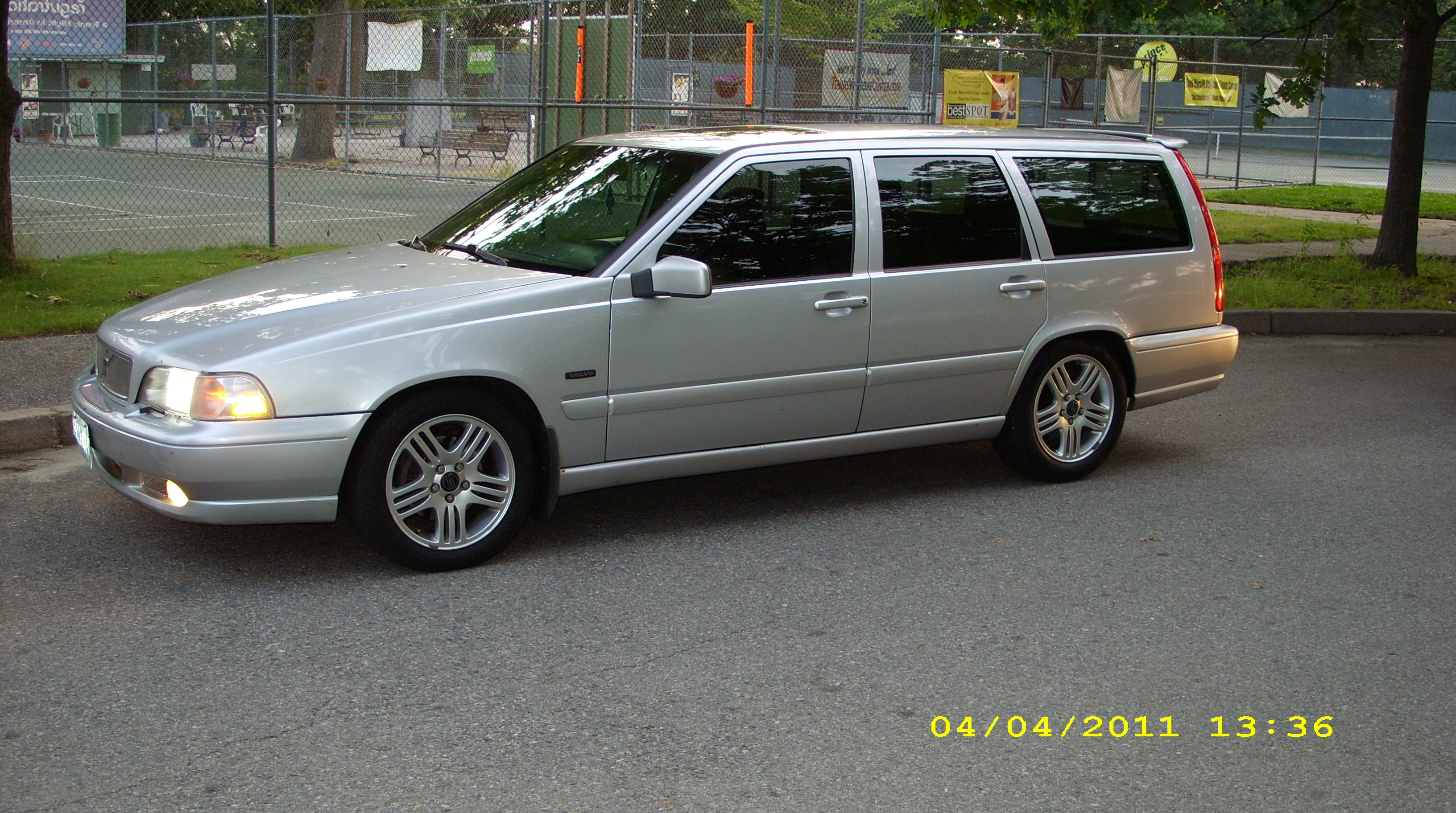 Another jaymely 1998 Volvo V70 post... - 15096311