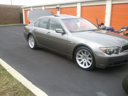 paperchasin05s 2005 BMW 7 Series