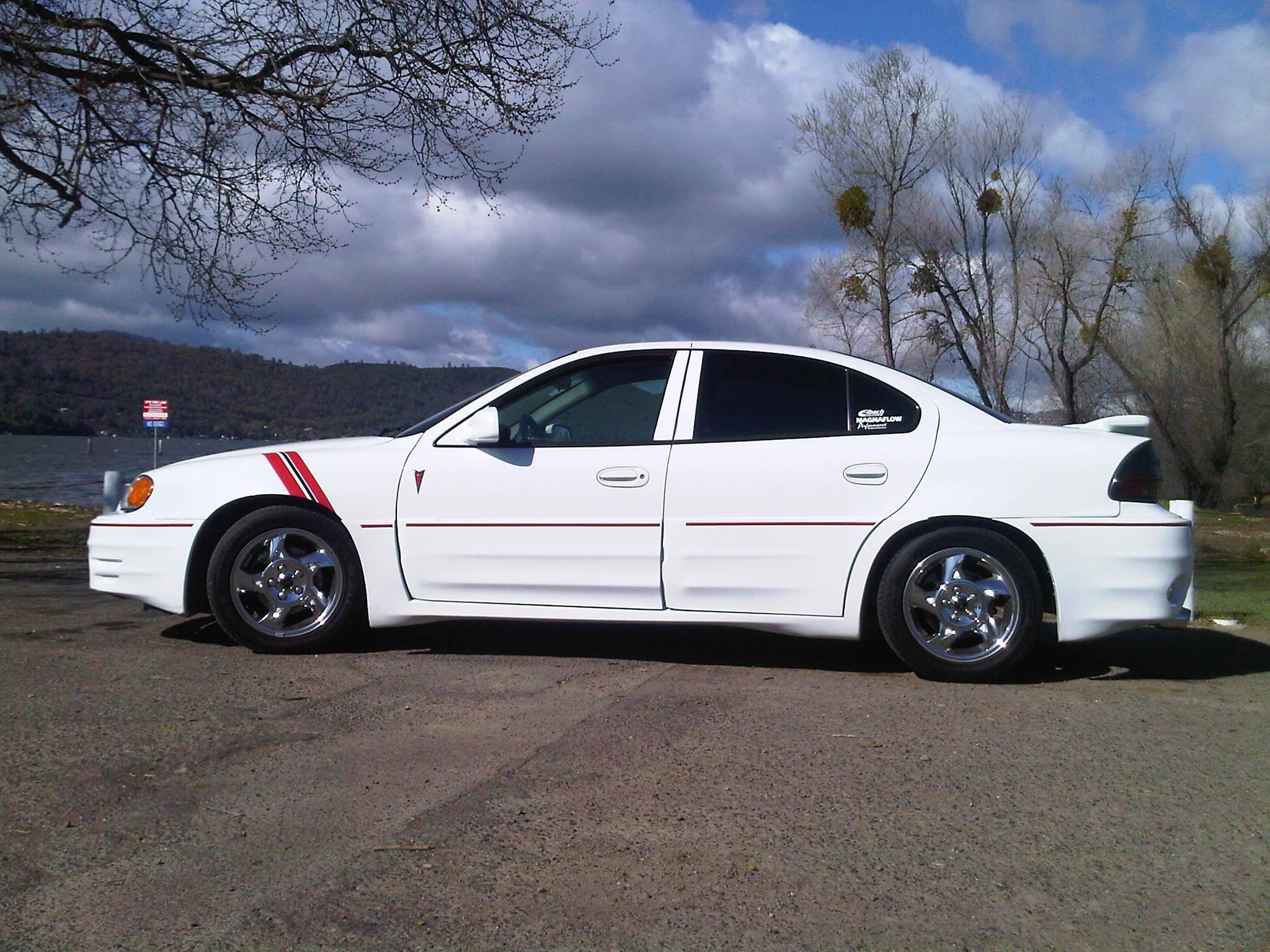 fly sky high 39 s 2002 pontiac grand am gt sedan 4d in lakeport ca. Black Bedroom Furniture Sets. Home Design Ideas