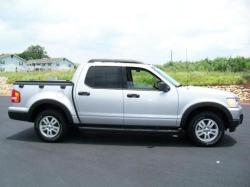 lisachecked76 2010 Ford Explorer Sport Trac
