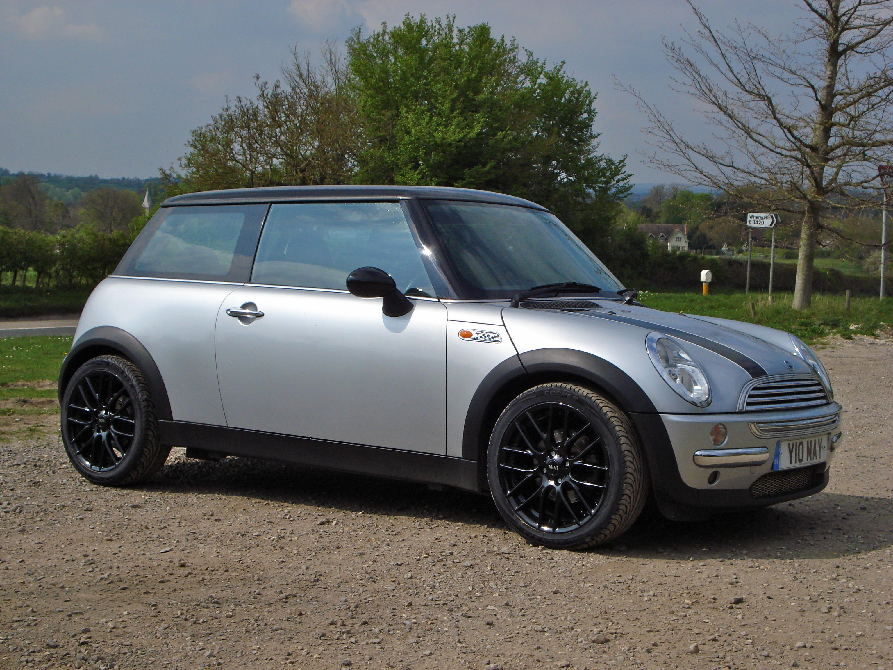 metalchuckkey 39 s 2002 mini cooper hatchback 2d in andover. Black Bedroom Furniture Sets. Home Design Ideas