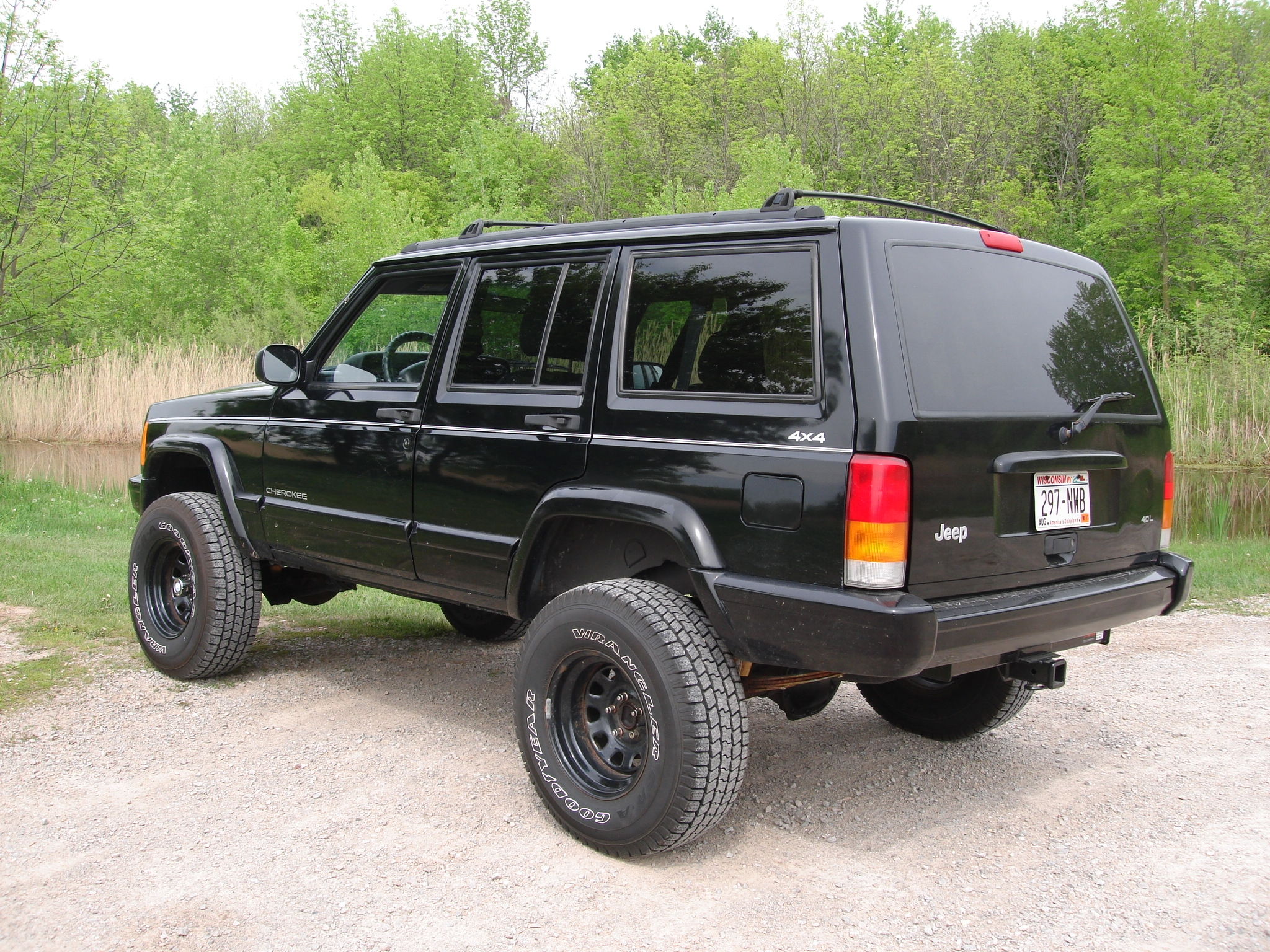 jeepers 89 1997 jeep cherokeecountry sport utility 4d specs photos modification info at cardomain. Black Bedroom Furniture Sets. Home Design Ideas