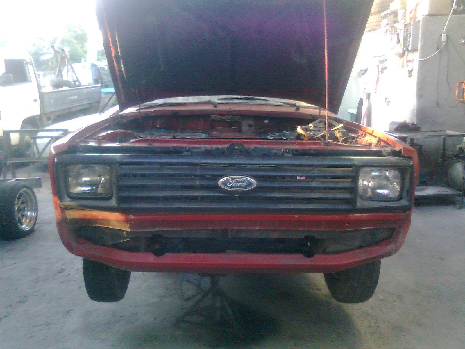 mjcapco_511 1983 Ford Courier 15138716
