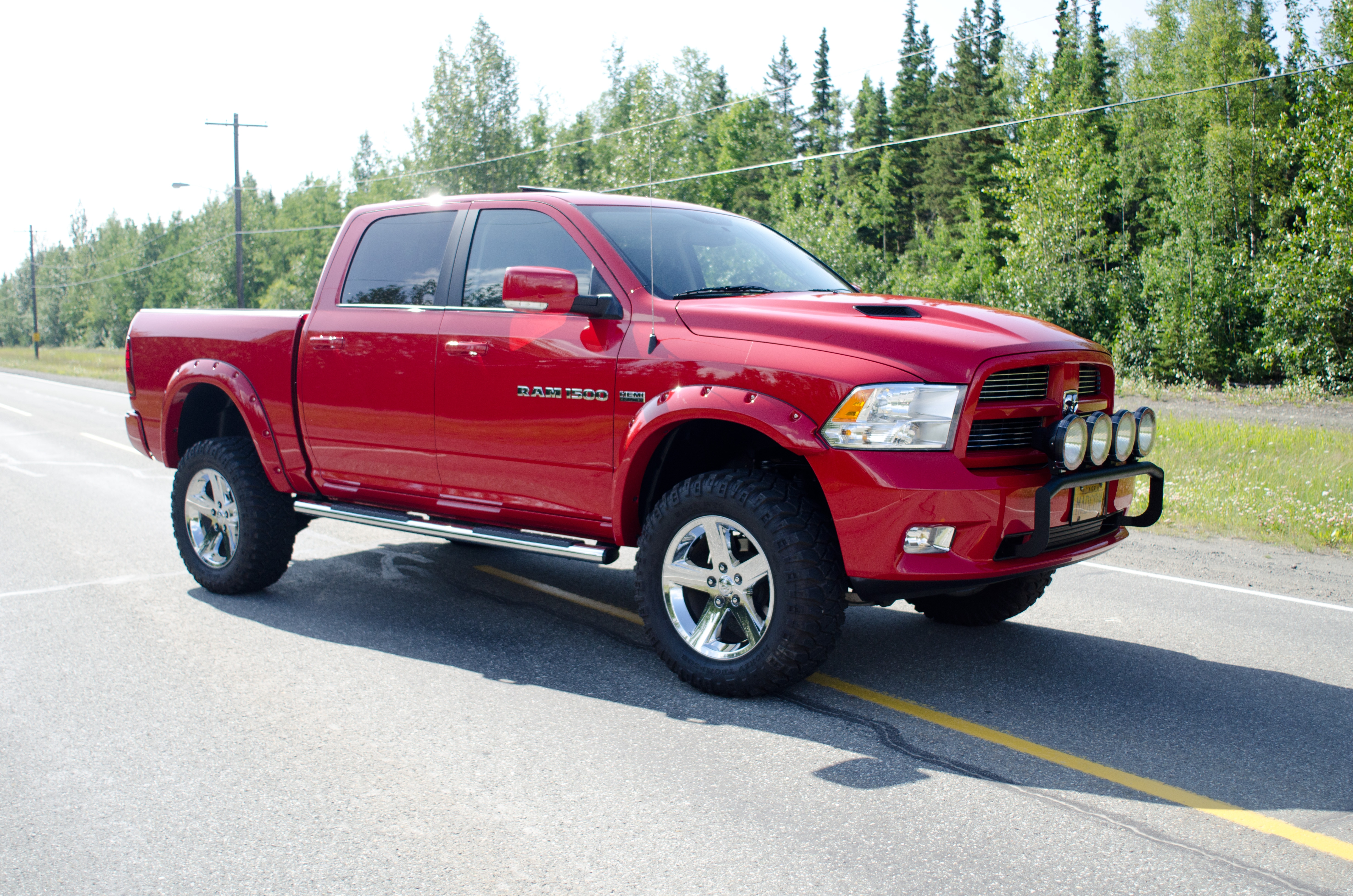 madcowiii 2011 dodge ram 1500 crew cab specs photos modification info at cardomain. Black Bedroom Furniture Sets. Home Design Ideas