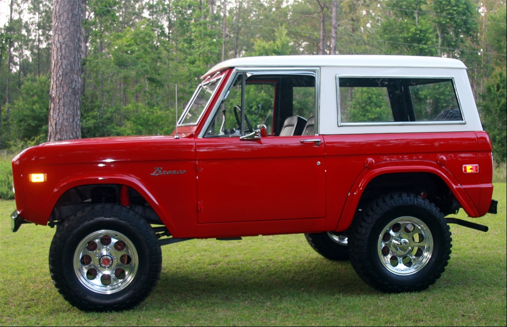 070585 1974 Ford Bronco