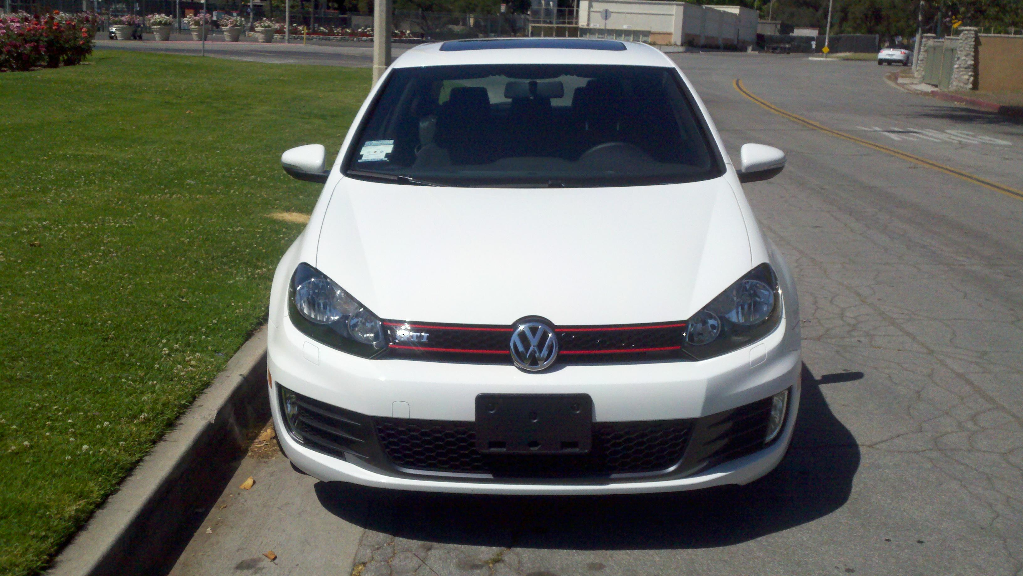 redswhitegti 39 s 2011 volkswagen gti 2 0t hatchback coupe 2d in pasadena ca. Black Bedroom Furniture Sets. Home Design Ideas