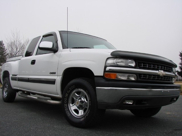 kyle001 2001 chevrolet silverado 1500 extended cab specs photos modification info at cardomain. Black Bedroom Furniture Sets. Home Design Ideas